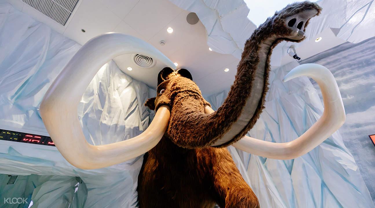 ice age screening room at madame tussauds bangkok